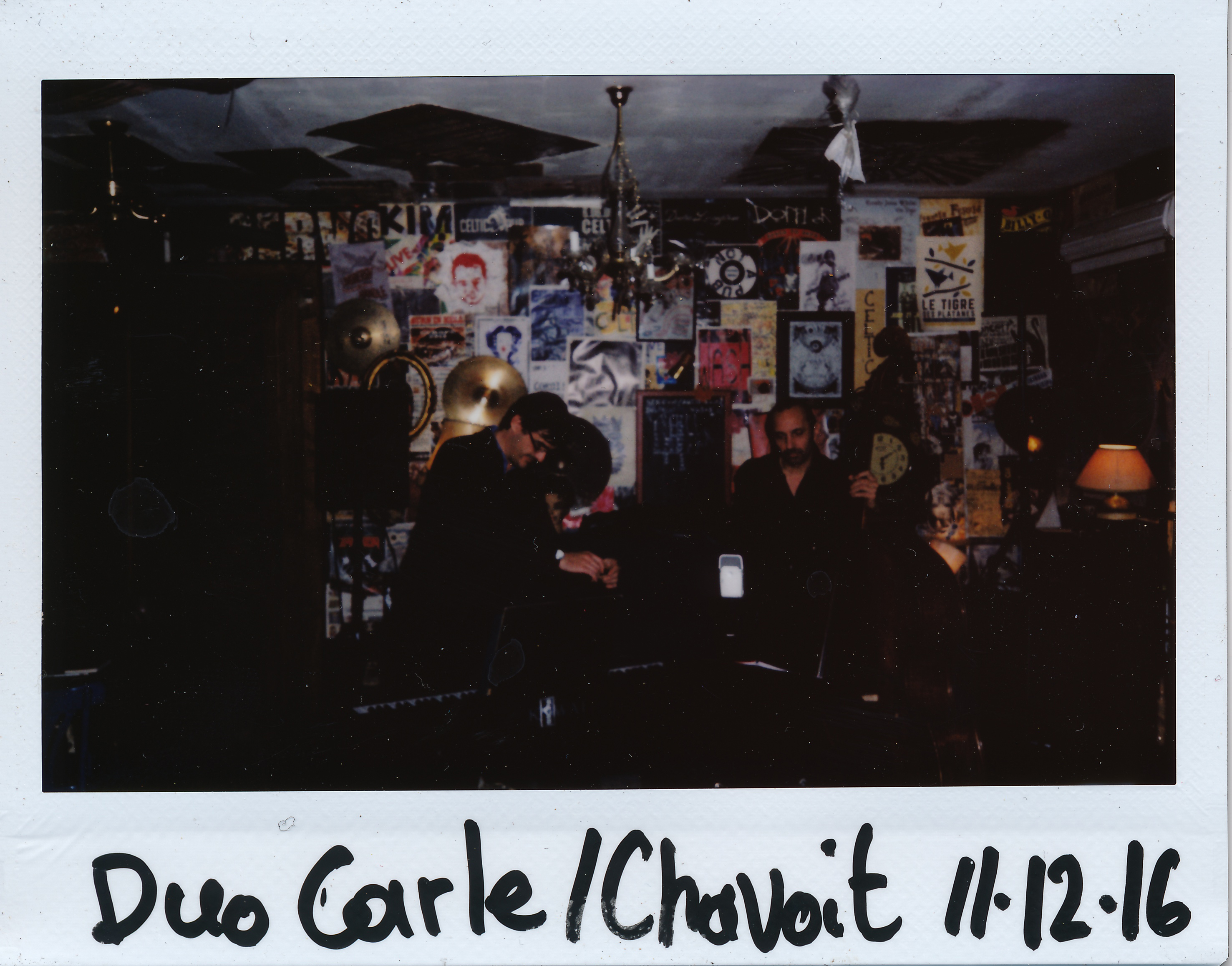 Mise en place avant le concert du Duo Carle/Chavoit, le dimanche 11 décembre 2016 au Celtic Pub